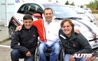 De izquierda a derecha: Lucas Cruz (copiloto campeón del Rally Dakar), Albert Llovera (piloto oficial de Abarth) y Oscar Fuertes (director del Rally Center y piloto Campeón de España de Rallys de Tierra en 2011).