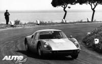 Victoria de Colin Davis y Antonio Pucci en 1964 con el Porsche 904 Carrera GTS.