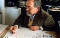 Ferdinand Alexander Porsche trabajando en su estudio de diseño en 1989.