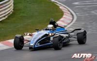 Un Fórmula Ford vuela sobre Nürburgring