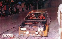 Fulvio Bacchelli con el Fiat 131 Abarth Grupo 4 oficial en la primera pasada por el Col de Turini en el Montecarlo 77.