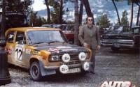 El Abuelete del M3 junto al coche de Antonio Zanini en el Rallye de Montecarlo de 1977.