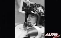 """Durante el GP de Mónaco de 1966, un periodista francés le pidió a Jackie Stewart un favor particular. Así pues, el piloto británico se colocó durante la sesión de entrenamientos un casco especial que llevaba integrada una cámara Nikon F1 35mm, con la que pudo hacer fotos """"on board"""" de su BRM P261 V8 sobre el trazado urbano de Montecarlo."""