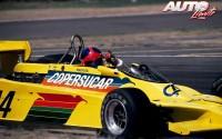 No sabemos si Emerson Fittipaldi se estaba acordando del familiar de alguien o del último éxito rockero de los AC/DC. Quizá, tan solo estaba saludando de una forma peculiar al volante de su Fittipaldi F5A-Ford V8 durante el Gran Premio de Argentina de 1979, disputado en el Autódromo de Buenos Aires.