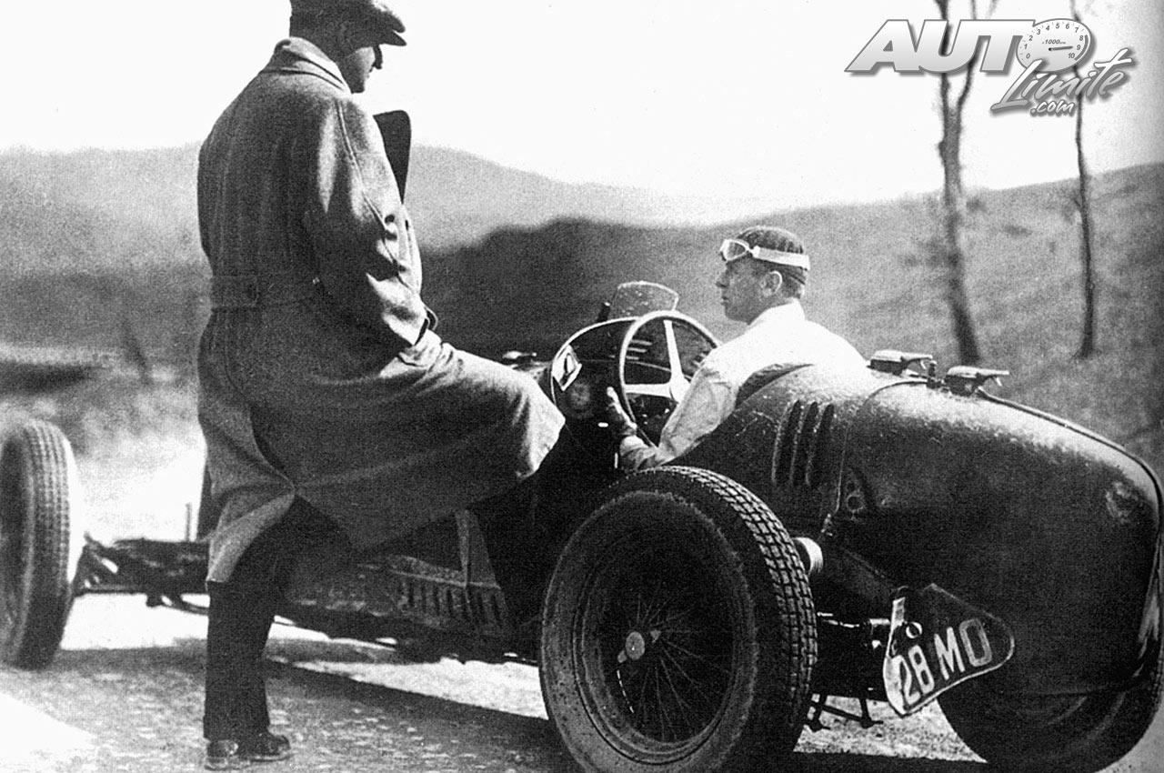 05_Achille-Varzi-junto-a-Enzo-Ferrari_Alfa-Romeo-1934.jpg