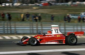 Niki Lauda con el Ferrari 312 T en el circuito de Watkins Glen, durante el GP de Estados Unidos de 1975.