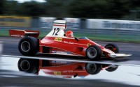 Niki Lauda al volante del Ferrari 312 T con el que ganó el Campeonato del Mundo de Fórmula 1 en 1975.