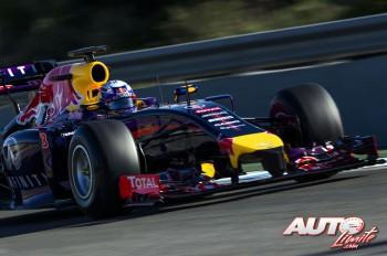 01_Red-Bull-RB10_Daniel-Ricciardo_Jerez-2014
