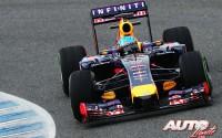 02_Red-Bull-RB10_Sebastian-Vettel_Jerez-2014