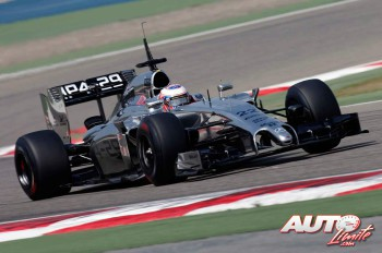 02_Jenson-Button_McLaren-MP4-29_Test-Bahrein-2014