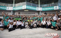 11_Mercedes-F1-Team_GP-Malasia-2014