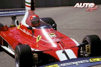 02_Niki-Lauda_Ferrari-312T_GP-EEUU-1976_Long-Beach