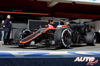 02_Fernando-Alonso_McLaren_Test-Montmelo-2015