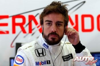 03_Fernando-Alonso_McLaren_Test-Montmelo-2015
