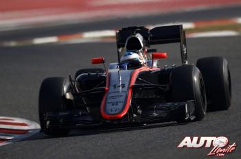 04_Fernando-Alonso_McLaren_Test-Montmelo-2015