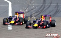 04_Ricciardo-vs-Kyviat_GP-China-2015