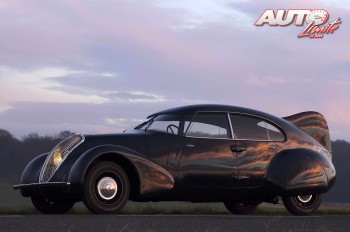 01_Peugeot-402-n4x_1936