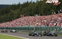 03_Lewis-Hamilton-vs-Sergio-Perez_GP-Belgica-2015