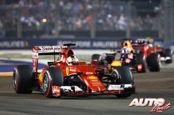 01_Sebastian-Vettel_GP-Singapur-2015