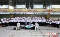 16_Team-Mercedes-F1-2015