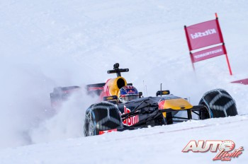 01_Red-Bull-F1-sobre-la-nieve