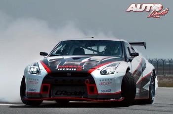 01_Nissan-GTR-drifting-record