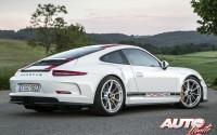 Porsche-911-R-2016_39