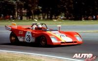 Ferrari 312 P pilotado por Mario Andretti durante una prueba de resistencia de 1971.