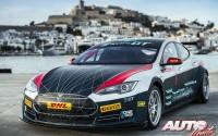 Tesla se introduce en las carreras de GT eléctricos