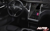 04_La-guerra-de-los-botones_Tesla-Model-S_2016