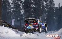Ott Tänak, al volante del Ford Fiesta WRC, durante el Rallye de Suecia 2017, puntuable para el Campeonato del Mundo de Rallyes WRC.