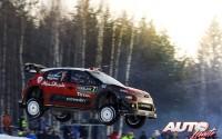 Kris Meeke, al volante del Citroën C3 WRC, durante el Rallye de Suecia 2017, puntuable para el Campeonato del Mundo de Rallyes WRC.