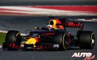 Daniel Ricciardo, al volante del Red Bull-TAG Heuer Renault RB13, durante los entrenamientos de pretemporada disputados en el Circuito de Montmeló.