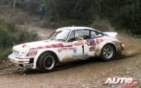 Walter Röhrl al volante del Porsche 911 SC 3.0 en el Rally de San Remo 1981.
