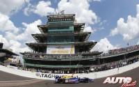 04_Alexander-Rossi_500-Millas-Indianapolis-2016