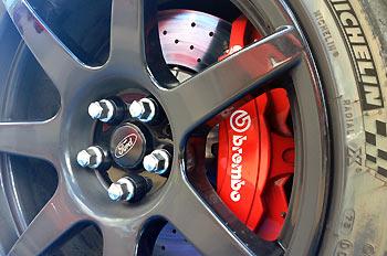 13_Ford-Mustang-Shelby-GT350R_prueba