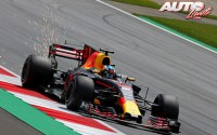 08_Daniel-Ricciardo_Red-Bull_GP-Austria-2017