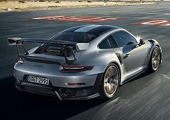 02_Porsche-911-GT2-RS-991
