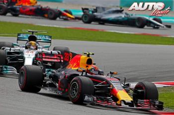 01_Max-Verstappen_Red-Bull_GP-Malasia-2017