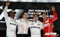 11_Lewis-Hamilton_Valtteri-Bottas_Sebastian-Vettel_Podio-GP-Abu-Dhabi-2017