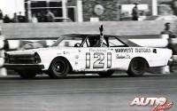 09_Dan-Gurney_Ford-Galaxy_Motor-Trend-Riverside-500_1966