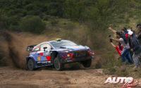 Andreas Mikkelsen, al volante del Hyundai i20 Coupé WRC, durante el Rally de Argentina 2018, puntuable para el Campeonato del Mundo de Rallies WRC.