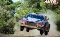 Hayden Paddon, al volante del Hyundai i20 Coupé WRC, durante el Rally de Italia 2018, puntuable para el Campeonato del Mundo de Rallies WRC.