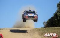 Thierry Neuville, al volante del Hyundai i20 Coupé WRC, vencedor del Rally de Italia 2018, puntuable para el Campeonato del Mundo de Rallies WRC.