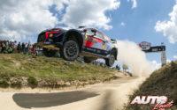Thierry Neuville, al volante del Hyundai i20 Coupé WRC, vencedor del Rally de Portugal 2018, puntuable para el Campeonato del Mundo de Rallies WRC.