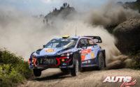 Andreas Mikkelsen, al volante del Hyundai i20 Coupé WRC, durante el Rally de Portugal 2018, puntuable para el Campeonato del Mundo de Rallies WRC.
