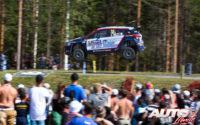 Jari Huttunen, al volante del Hyundai i20 R5 WRC2, durante el Rally de Finlandia 2018, puntuable para el Campeonato del Mundo de Rallies WRC2.