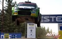 Eerik Pietarinen, al volante del Skoda Fabia R5 WRC2, durante el Rally de Finlandia 2018, puntuable para el Campeonato del Mundo de Rallies WRC2.