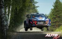 Thierry Neuville, al volante del Hyundai i20 Coupé WRC, durante el Rally de Finlandia 2018, puntuable para el Campeonato del Mundo de Rallies WRC.