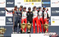 Podio del Rally de Alemania 2018, puntuable para el Campeonato del Mundo de Rallies 2018. De izquierda a derecha: Nicolas Gilsoul y Thierry Neuville (Hyundai), Martin Järveoja con Ott Tänak (Toyota) y Esapekka Lappi junto a Janne Ferm (Toyota).